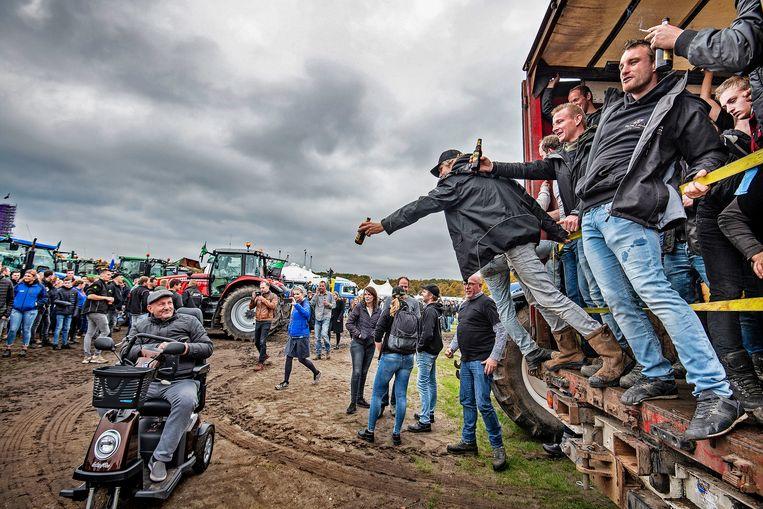 Vele duizenden boeren zijn opnieuw naar Den Haag gekomen om te laten zien dat zij het niet eens zijn met de stikstof politiek van dit kabinet. Beeld