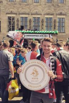 Feyenoord eert verongelukte supporter Rico Jansen (23) in eerste aflevering van nieuwe serie
