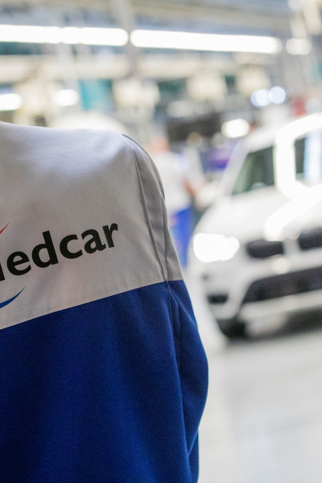 VDL Nedcar: overwerk op vier halve zaterdagen