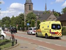 Wielrenner naar het ziekenhuis na botsing met auto in Beers