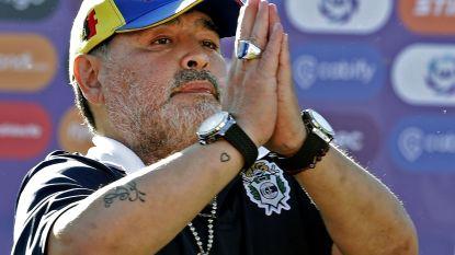 Een geluk bij een ongeluk: Maradona en zijn club Gimnasia ontsnappen aan degradatie na stopzetting Argentijnse voetbalcompetitie
