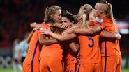 Herbeleef hoe Red Flames strijdend ten onder gaan tegen Oranje (1-2) en zo uit het EK liggen