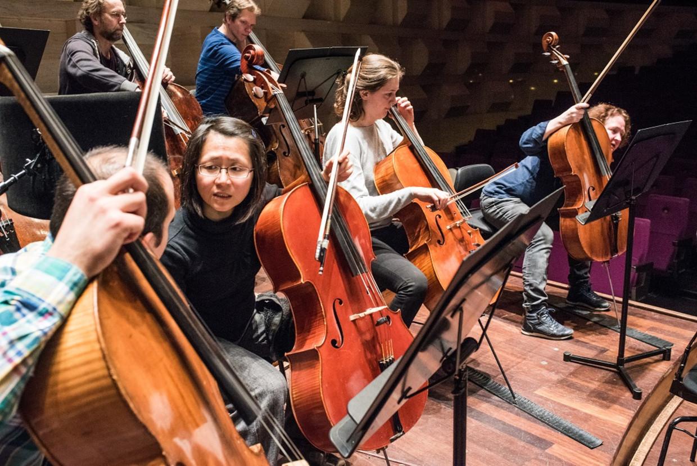 Repetitie van het Rotterdams Philharmonische Orkest en het Groot Omroepkoor van Hilversum, ter voorbereiding van de uitvoering in De Doelen van de Achtste symfonie van Gustav Mahler. Beeld null