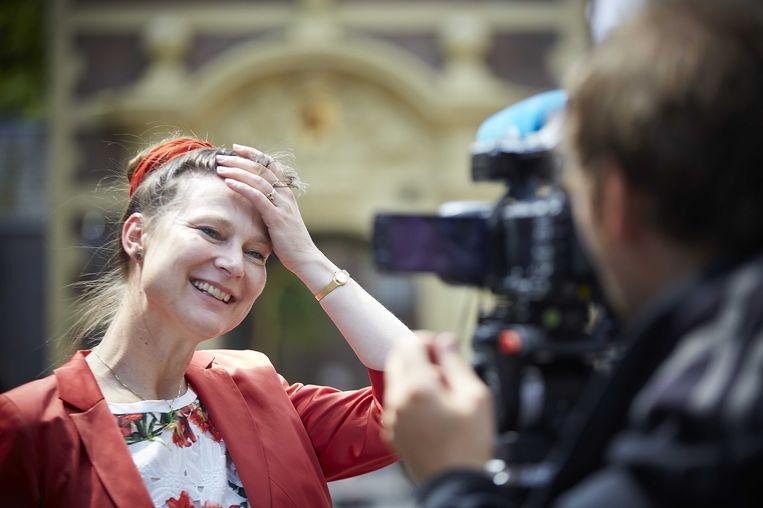Urgenda-oprichtster Marjan Minnesma staat na de rechterlijke uitspraak over de duurzame plichten van de Staat de pers te woord. Beeld ANP
