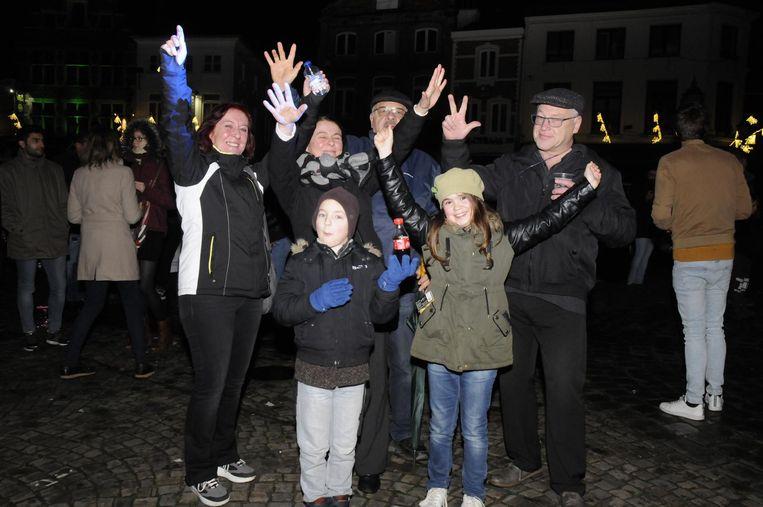 Marleen Vanroey uit Scherpenheuvel nam vrienden uit Overijse mee om de lasershow te bezichtigen.
