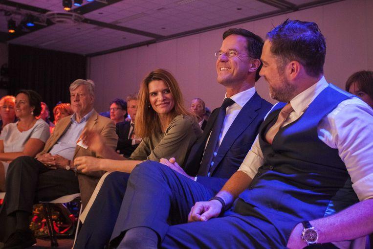Ivo Opstelten, Barbara Visser, Mark Rutte en Klaas Dijkhoff tijdens de tweede dag van het voorjaarscongres van de VVD. Beeld ANP