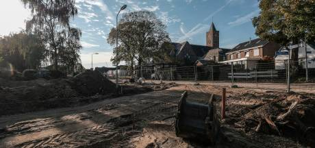 Veel straten in Giesbeek worden opengebroken voor een nieuw riool