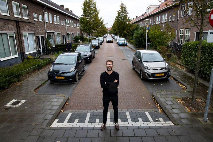 Niels Guns in 'zijn' Pioenroosstraat in oktober vorig jaar.