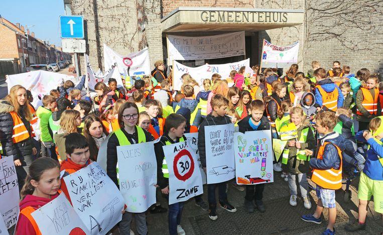 Leerlingen Sint-Donatus voeren actie voor veiliger verkeer