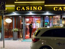 Man met mes maakt groot geldbedrag buit bij overval op casino Cuijk: personeelslid lichtgewond