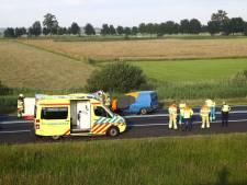 Persoon overleden na ongeluk op N50 bij Kampen: weg in beide richtingen afgesloten
