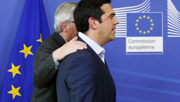 Juncker en Tsipras bij hun overleg in Brussel.