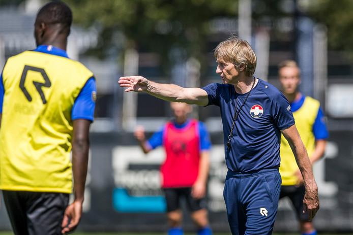Willem II-trainer Adrie Koster.