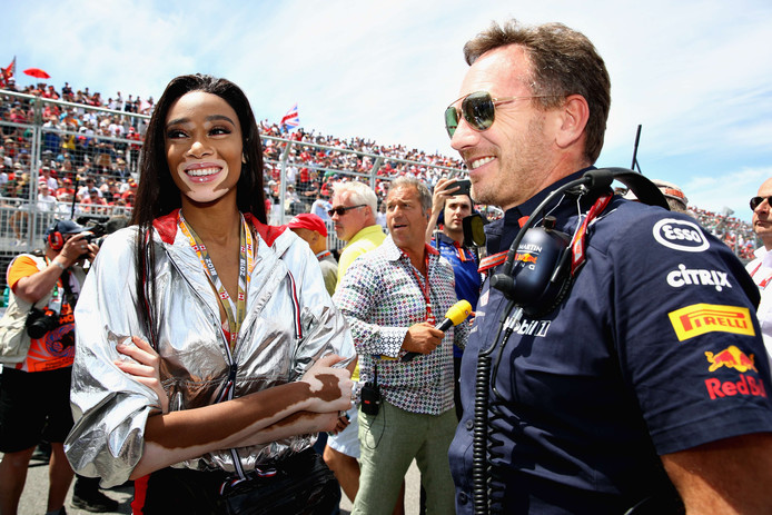 Winnie Harlow met Red Bull-teambaas Christian Horner.