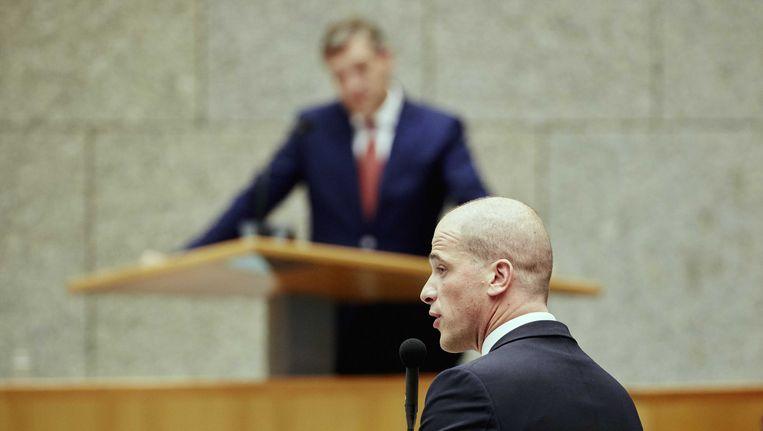 PvdA-leider Diederik Samsom (voorgrond) en CDA-leider Sybrand Buma tijdens de Algemene Politieke Beschouwingen. Beeld ANP