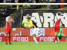 Blunder keeper Paes maakt Matavz matchwinnaar voor Vitesse tegen Utrecht