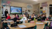 Na verhuis 4de, 5de en 6de klassen Oscar Romerocollege: nieuwe digitale borden in de klassen