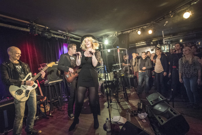 Back tot Blondie tijdens Tribute in Oost.