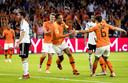 Virgil van Dijk heeft Oranje in de Johan Cruijff Arena net op 1-0 gezet tegen Duitsland.
