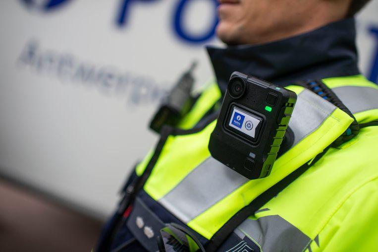 Deze bodycams die de Antwerpse politie gebruikt, worden nu ook in Gent ingevoerd.