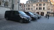 """Sultan gebruikt verkeersvrije Grote Markt in Leuven als parking. Politie Leuven: """"Maximum twee voertuigen!"""""""