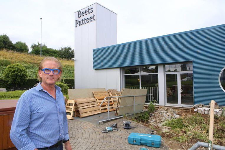 Jopi Martens bij zijn beddenspeciaalzaak Beets-Patteet.
