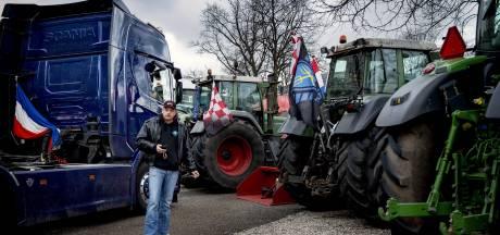 LIVE | Boeren rijden toch via snelweg Den Haag binnen, meerdere boeren beboet