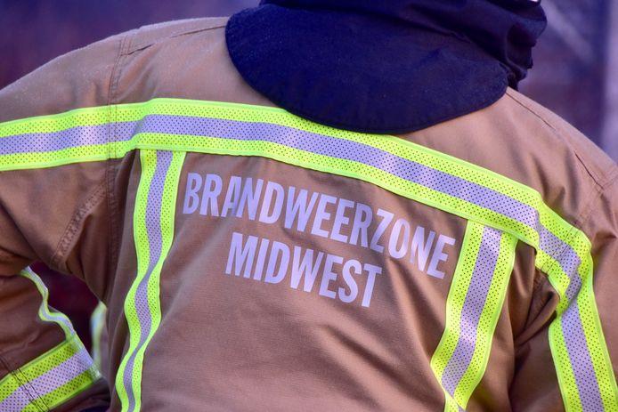 De brandweer van de zone Midwest snelde ter plaatse met een signalisatiewagen, om de omgeving van het ongeval langs de N50 in Zwevezele te beveiligen.