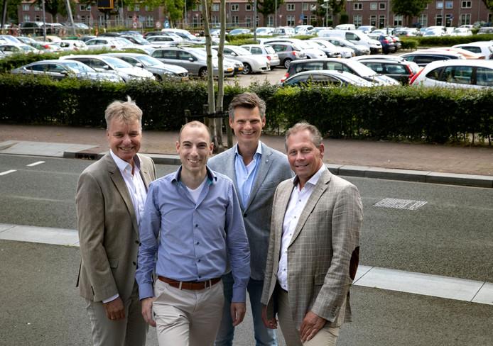 Jan Kusters, Thijs Reckers, Wim Visser en Robert van Roermund (van links naar rechts) zijn de initiatiefnemers van QarQuest dat is gevestigd op Strijp-S in Eindhoven.
