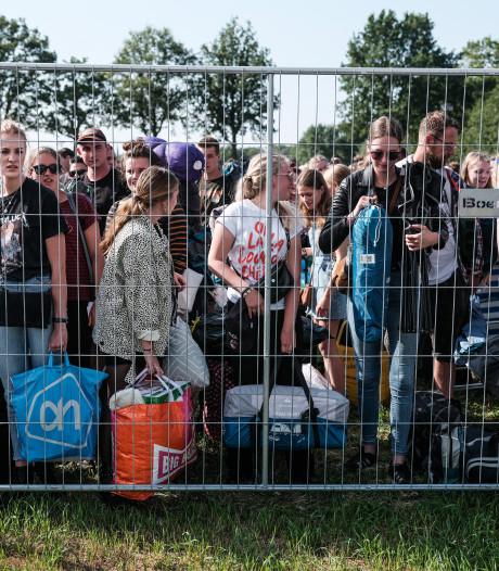 Fanclubleden Zwarte Cross slaan massaal hun slag op eerste dag kaartverkoop