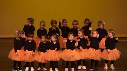 Dansers Happy Feet namen publiek Zwaneberg mee naar sprookjeswereld