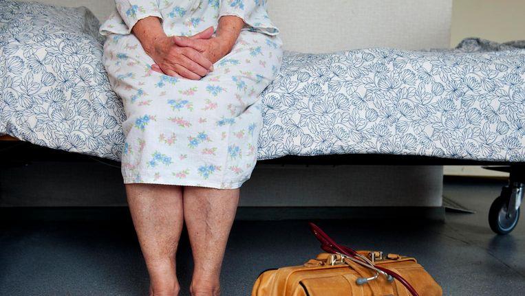'Minister Edith Schippers van Volksgezondheid wil snel inzichtelijk maken hoeveel tijdelijke zorgbedden per regio beschikbaar zijn.' Beeld anp