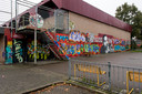 De bekendste graffiti van Tiel: op de achtergevel van de Westroyenhal.
