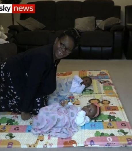 Zwangere Britse bevalt tijdens corona-coma van tweeling