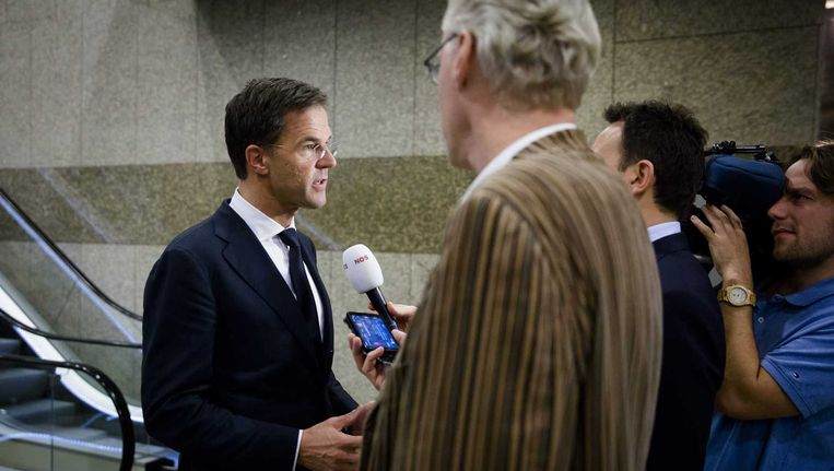 Premier Rutte staat de pers te woord. Beeld anp