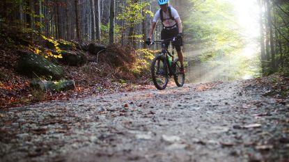 """Mountainbikers kunnen ijzerdraad op parcours maar nipt ontwijken: """"Dit is poging tot moord"""""""