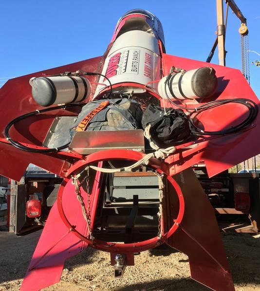 Hughes bouwde zijn raket van slooponderdelen.