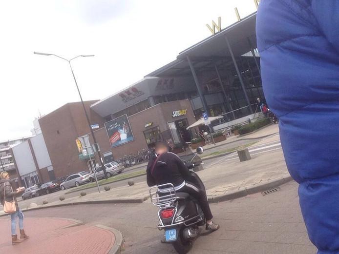 De bewuste scooter, vorig jaar gefotografeerd.