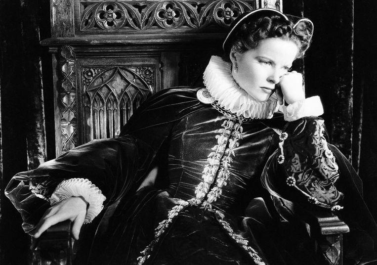 Katharine Hepburn als Mary in Mary of Scotland. Beeld