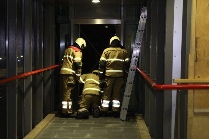 De brandweer schiet te hulp op station Boxtel.