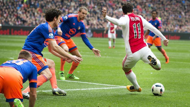 Amin Younes van Ajax scoort de 1-1. Beeld anp