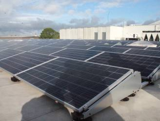"""Aalter legt 500 zonnepanelen op 14 openbare gebouwen: """"Stroom voor 200 gezinnen"""""""
