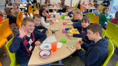 Leerlingen Minnestraal starten de dag met een gezond ontbijt