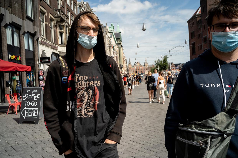 Kaneda (20) draagt een bandshirt van de Foo Fighters. Beeld Maarten van der Kamp