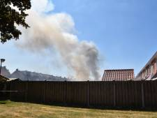 Schuurbrand in Woudrichem onder controle, nablussen duurt nog enige tijd