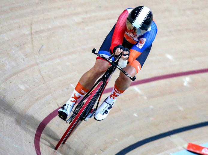Alyda Norbruis wint goud in een nieuw wereldrecord tijdens de finale 500 meter tijdrit C1-3 baanwielrennen op de Paralympische Spelen in Rio.