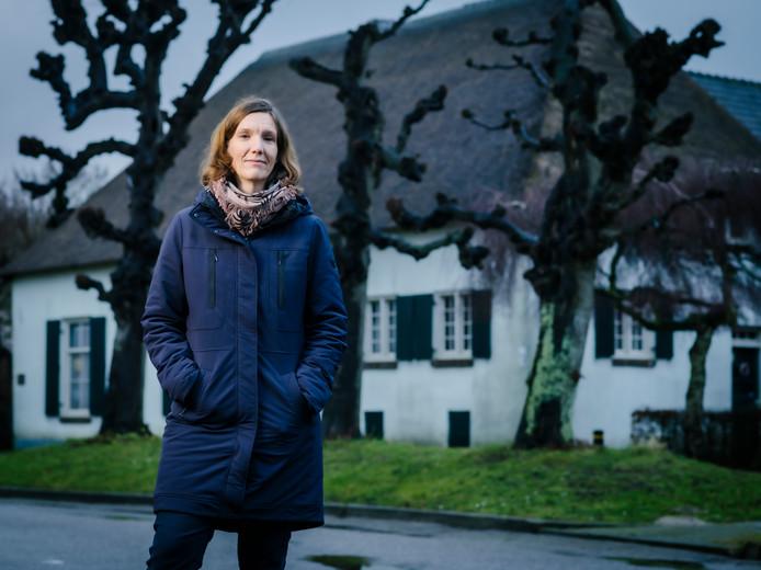 Ceciel Huitema is historica en verbonden aan het Nationaal Archief in Den Haag.