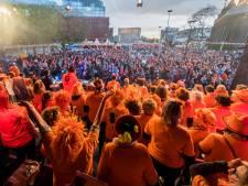 Frisse wind Tilburg Zingt: een podium tussen de mensen, voor het eerst tribune én Leo Alkemade als presentator