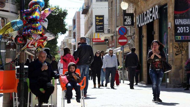 Een winkelstraat in Nicosia. Beeld afp