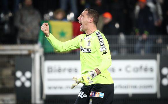 Ook bij Nicolas Penneteau, sterkhouder onder de lat bij Charleroi, staat er een optie in het contract.